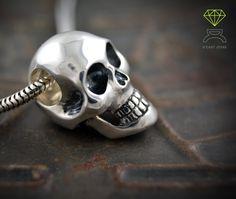 Skull Pendant,Sterling silver pendant de Dcastjoyas en Etsy