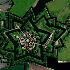 Bourtange is a star fort located in the Groningen Province of the Netherlands. It was constructed in during the Eighty Years' War, to control the only road between Germany and the city of. Porte Cochere, Frank Zappa, Ancient Architecture, Amazing Architecture, Star Fort, Saint Claude, Beau Gif, City Grid, Image Of The Day