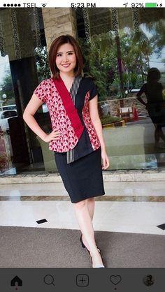 Patchwork design for kurtis 39 Ideas Model Dress Batik, Batik Dress, Batik Fashion, Work Fashion, Fashion Design, Batik Kebaya, Blouse Batik, African Fashion Ankara, Patchwork Designs