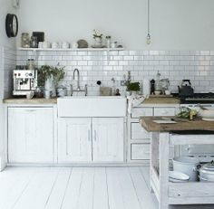 Rejuvenation Kitchen:10 Inspiring Uses of Subway Tiles in the Kitchen  (not to mention #pendants)