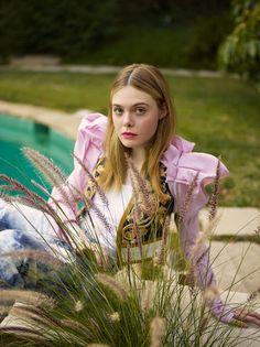 Elle Fanning - Elle UK Fevereiro 2017