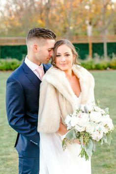 Fur Wrap Wedding, Winter Wedding Fur, Winter Wedding Bridesmaids, Winter Bridesmaid Dresses, Vintage Bridal, Vintage Glamour, Winter Wedding Inspiration, Dream Wedding, Wedding Beauty