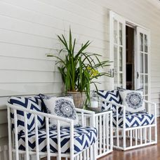 Grand Queenslander - beach-style - Deck - Brisbane - Highgate House Love this! Hmmmm… wonder if this would work with the set that we have Outdoor Retreat, Outdoor Decor, Indoor Outdoor, Front Deck, Front Porch, Airy Bedroom, Queenslander, White Cushions, Beach Shack