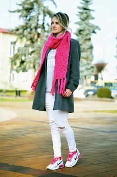 Choineczka A pop of colour! street style,outfit,moda,air max,plny lala