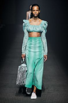 Kenzo Spring 2020 Ready-to-Wear Collection - Vogue Fashion Week, Fashion 2020, Runway Fashion, Fashion Outfits, Fashion Trends, Ladies Fashion, Kenzo, Fashion Show Collection, Models