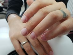 Sfaturi pentru ingrijirea unghiilor: Cum sa obtineti unghii sanatoase si frumoase - We Beauty Silver Rings, Wedding Rings, Engagement Rings, Nails, Beauty, Rings For Engagement, Finger Nails, Beleza, Ongles