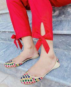 Kurti Sleeves Design, Sleeves Designs For Dresses, Kurta Neck Design, Neck Designs For Suits, Salwar Designs, Kurta Designs Women, Kurti Designs Party Wear, Plazzo Pants, Salwar Pants