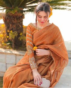 Indian Bridal Outfits, Indian Fashion Dresses, Dress Indian Style, Indian Gowns Dresses, Indian Designer Outfits, Indian Wear, Bridal Dresses, Shadi Dresses, Pakistani Formal Dresses