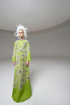 Giambattista Valli Spring 2020 Couture Fashion Show Collection: See the complete Giambattista Valli Spring 2020 Couture collection. Look 5