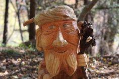 Lungo il sentiero spirito del bosco i bambini incontreranno tronchi scolpiti raffiguranti streghe, gnomi e spiritelli. Chi ne vedrà di più?