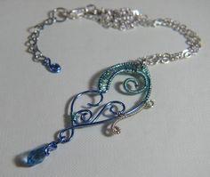Collana con Farfalla in rame Azzurra  Necklace with a Light