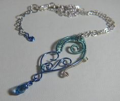 Collana con Farfalla in rame Azzurra  Necklace with a Light