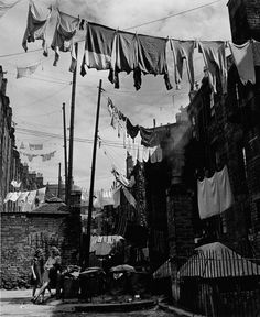 Dundee, Scotland 1944 by Wolf Suschitzky. S)