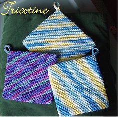 crochet potholder patterns These beauties are fun and easy to make in a variety of colors. Origami Hot Pad pattern by Ed Barrall II is suitable for playing with different yar Crochet Hot Pads, Crochet Towel, Crochet Potholders, Crochet Yarn, Easy Crochet, Crochet Geek, Form Crochet, Crochet Squares, Granny Squares