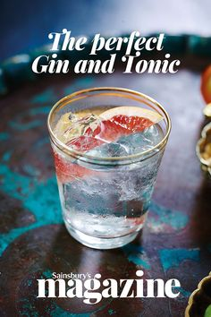 The ultimate, foolproof G&T recipe - we like to use Fever Tree's Mediterranean tonic for its herbal notes Refreshing Cocktails, Yummy Drinks, Healthy Drinks, Gin Recipes, Cocktail Recipes, Fever Tree Mediterranean, Perfect Gin And Tonic, Christmas Cocktails, Party Cakes