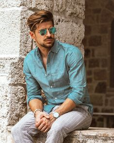 Perfect match with blue sunglasses and light blue shirt 😉 Light Blue Shirts, Perfect Match, Blue Gold, Hipster, Street Style, Sunglasses, Mens Tops, Photography, Collection
