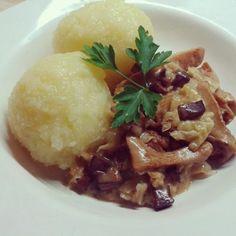 Thüringer Kloß mit Pfifferling-Sauce, vegan