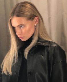 edgy hair ~ edgy hair & edgy haircuts & edgy hairstyles & edgy hair long & edgy haircuts medium & edgy hair colors & edgy hair short & edgy haircuts for long hair Hair Inspo, Hair Inspiration, Blond Rose, Blonde Hair Looks, Peinados Pin Up, Dream Hair, Pretty People, Cool Hairstyles, Female Hairstyles