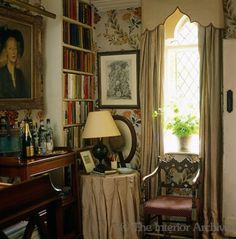 Nicky Haslam ~ book corner in his country home