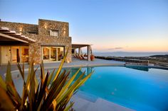 Villa Monet is a pretty Greek villa in Mykonos ✨ Mykonos Town, Mykonos Villas, Pool Maintenance, Unique Architecture, Luxury Holidays, Luxury Villa, Beautiful Islands, Lush