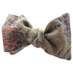 BANDARI BOW TIE CULTURE VINTAGE KUSAKI FLORAL MONARCH BOW TIE WITH POCKET SQUARE Silk Bow Ties, Bow Tie Wedding, Pocket Square, Culture, Floral, Pattern, Vintage, Fashion, Moda