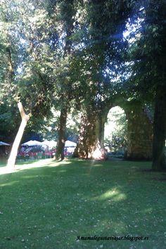 El gran parque de Campo de San Francisco, donde a principios del siglo XIX se transformó en parque el antiguo huerto-jardín del Convento de San Francisco. Oviedo