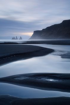 Iceland Itinerary Part 1 Gal Meets Glam Sunset over black sand beach at Vik i Myrdal South Coast Iceland Maui Hawaii Landscape Photography, Nature Photography, Travel Photography, Photos Voyages, All Nature, Iceland Travel, Bali Travel, Vacation Travel, Hawaii Travel