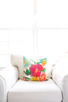 Spring Blooms Pillow Cover Floral Flowers by WhiteHavenDesigns #etsy #homedesign #home #pillow #decoration #bedroom #livingroom #flowerpattern #floral #handmade #smallbusiness #flower #floralpattern #fabric