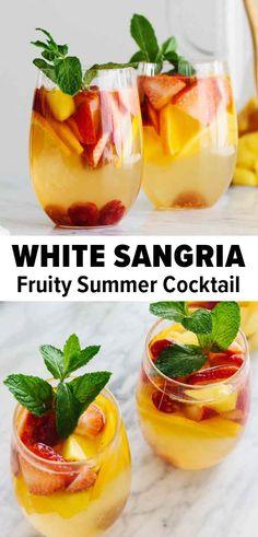 Sangria Drink, White Wine Sangria, Summer Sangria, Sangria Cocktail, Summer Wine Drinks, Easy Summer Cocktails, Cocktails With Wine, White Wine Cocktail, Mango Sangria