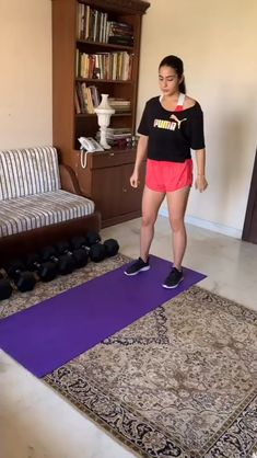 See! What Bollywood stars are doing in lockdown period Workout Videos For Women, Gym Workout Videos, Gym Workout For Beginners, Fitness Workout For Women, Easy Workouts, Lower Belly Workout, Full Body Gym Workout, Hiit Workout At Home, At Home Workouts
