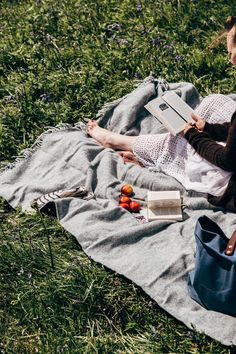 A quiet moment in the park ~ Simple summer days Summer Days, Summer Vibes, Summer Picnic, Photo Instagram, Life Is Beautiful, Poses, Picnic Blanket, Photoshoot, In This Moment