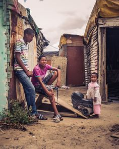 Walking around the colourful South African townships, Langa in Cape Town and Soweto in Johannesburg. African Image, African Art, Artistic Photography, Street Photography, David Goldblatt, Johannesburg City, Durban South Africa, Warrior Within, Learning Websites