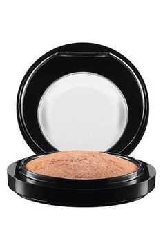 Must Have Bronzers and Highlighters for Every Makeup Collection - www.beingmelody.com
