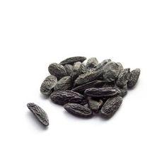Les fèves tonka, superbe épice qui devient de plus en plus populaire, parfois plus populaire que la vanille, à tester d'urgence !