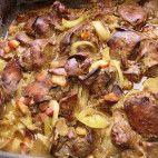 Pečená kuracia pečeň • recept • bonvivani.sk Sprouts, Chicken Recipes, Beef, Vegetables, Food, Meat, Essen, Vegetable Recipes, Meals