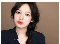 Erika Mori Simple Classic Make-Up: Eyeliner, Blush, and Red Lips
