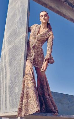 Elan Pakistani couture Pakistani Bridal Couture, Pakistani Wedding Outfits, Indian Couture, Pakistani Dresses, Indian Dresses, Indian Outfits, Desi Clothes, Indian Designer Wear, Traditional Dresses
