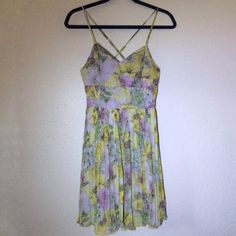 I just added this to my closet on Poshmark: Jack by BB Dakota floral pleated short dress. Price: $30 Size: S