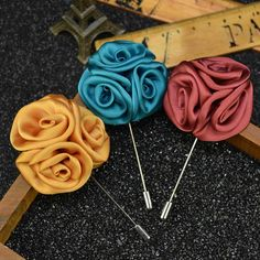 Men Jewelry of Silk Flower Brooches Rose Cluster Floral Men Lapel Pins for Suits Handmade Boutonniere 12 Pcs/Lot Mixed Color