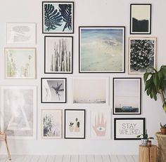 Just an idea for spacing between frames California Bedroom, California Decor, California Apartment, California Bungalow, Poster On Wall, Poster Prints, Urban Outfitters Art, Urban Outfitters Apartment, Cactus Art