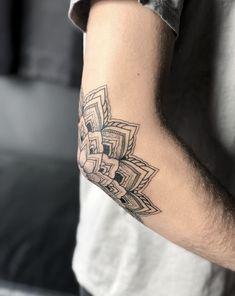 Elbow Tattoos, Small Forearm Tattoos, Wrist Tattoos For Guys, Knee Tattoo, Sleeve Tattoos For Women, Mini Tattoos, Small Tattoos, Cool Tattoos, Tattoos Mandala