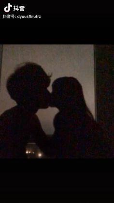 Romantic Couple Kissing, Cute Couples Kissing, Cute Couples Goals, Romantic Couples, Cute Love Couple, Cute Couple Videos, Cute Couple Pictures, Couple Goals Relationships, Relationship Goals Pictures
