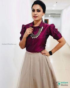 Party Wear Indian Dresses, Designer Party Wear Dresses, Indian Gowns Dresses, Dress Indian Style, Indian Fashion Dresses, Indian Designer Outfits, Ethnic Fashion, Lengha Blouse Designs, Fancy Blouse Designs