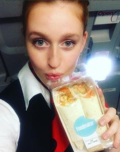 The beautiful crew of Brussels Airlines is very excited to serve you a The Foodmaker✨meal on board of their european flights✈️ ciao babiessee you soon✌️ #thefoodmaker #brusselsairlines #europe #healthyfood #wraps #cabinecrew #onboard #flight
