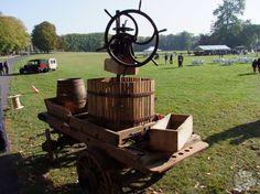 Pressoir hydraulique - Fête de la pomme et des traditions de Belle Eglise