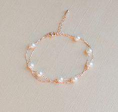 Set of 6 - Rose Gold Pearl Bracelet, Bridesmaid Gift, Wedding Bracelet - wedding jewelry - Bracelets Fancy Jewellery, Stylish Jewelry, Cute Jewelry, Jewelry Necklaces, Fashion Jewelry, Pearl Necklaces, Affordable Jewelry, Modern Jewelry, Fashion Earrings