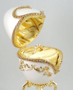 ❧Ð Gold #EngagementRingBox, Gold Hearts of Love Presentation Box, #WeddingRingBox, http://etsy.me/2weJzYJ