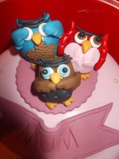 3 wise owls cake  Cake by Tracey