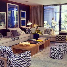 """""""Cinquenta tons de azul, ambiente alegre e sofisticado!! #decoração #ambientes #living #sala #estar #luminária #iluminação"""""""