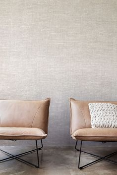Bel effet tie and die, beige et indigo, revêtement mural tektura Smart tie and die effect, Neutral and Blue, tektura wall covering Home Interior, Interior Styling, Interior Architecture, Interior Decorating, Wallpaper Collection, 2015 Wallpaper, Home Furniture, Furniture Design, Office Furniture